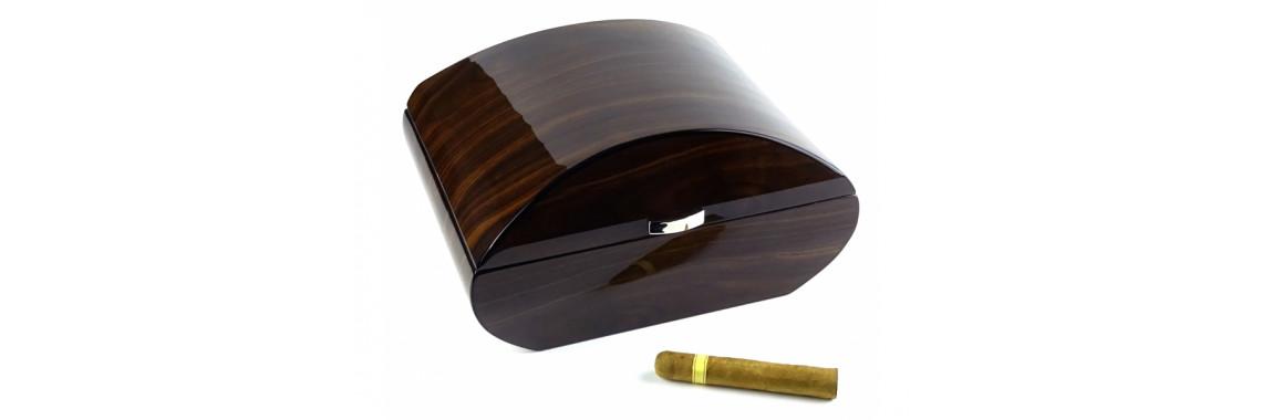 Humidor 50 szál szivar részére, cédrusfa szivar tároló doboz,